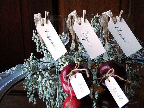 apple escort cards